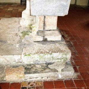 13th century square font