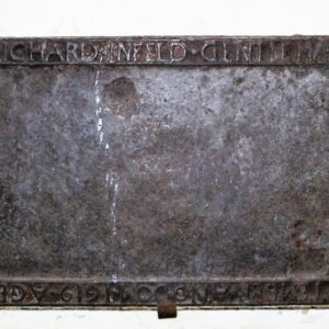 1619 iron tomb cover