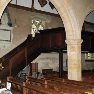 Raised squire's pew in north aisle