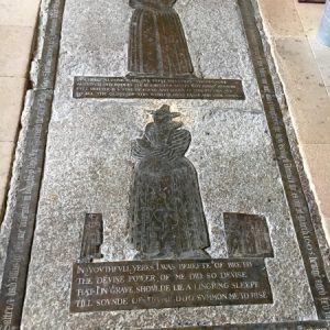 Ledger slab with mother and daughter brasses