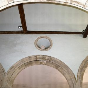 Single round clerestory window