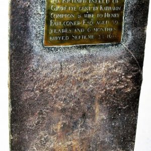 1635 iron tomb cover