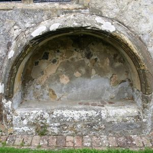 Tomb recess in chancel wall